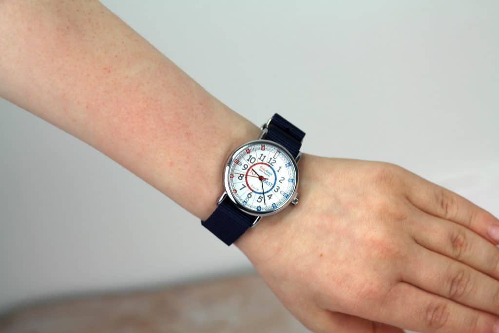 help children learn to tell the time EasyRead Time Teacher Watch