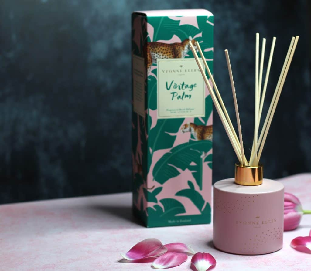Yvonne Ellen Vintage Palm Reed and box 1