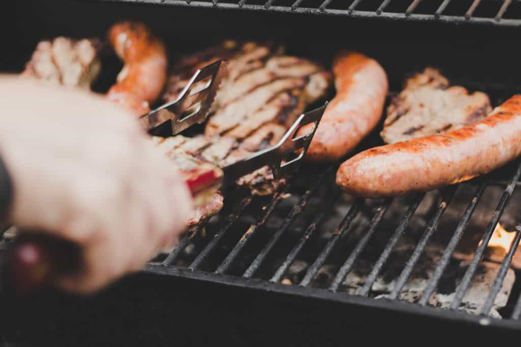 5 Ways To Throw The Ultimate Summer BBQ